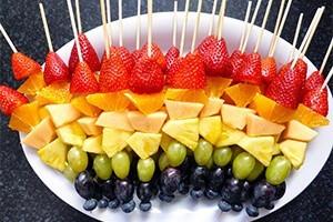 Doğum Günü Partilerinin Vazgeçilmez Yiyecekleri (Meyve Çubuğu)
